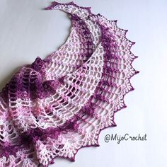 Have a look at this outstanding crescent-shaped shawl from Johanna Lindahl of Mijo Crochet. Incredible work, isn't it? Johanna lives in Sweden so you probably won't have easy access to the same fingering weight yarn she used if you live in the US. Note that she recommends any weight of yarn as long