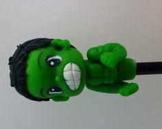 Ponteiras para lapis em biscuit do hulk