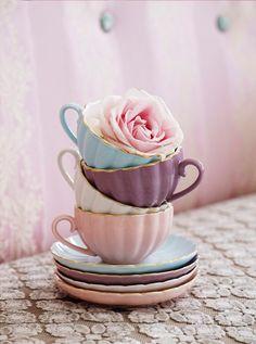 Taza de té y plato azul y dorado - Cerámica varios - Cerámica y porcelana - Menaje de mesa y textil - Cocina - Tienda online de repostería y cocina