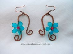 Wire copper earrings with nail polish flowers by semeistvoadams.blogspot.com