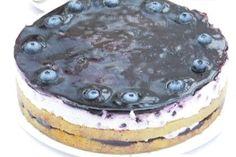 Heidelbeer – Schmand – Torte Heidelbeer-Sauerrahm-Torte Related posts: Mandarinen-Sauerrahm-Torte Kirsch-Sauerrahm-Torte Apfel-Sauerrahm-Torte Kinder-Bueno-Torte – so geht's Coffee Cupcakes, Pumpkin Spice Cupcakes, Coffee Cake, White Cupcakes, Mini Desserts, Fall Desserts, Candy Recipes, Sweet Recipes, Snack Recipes