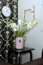 Flowers in vintage vase: Zau Spa