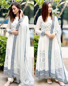 Pakistani Fashion Casual, Pakistani Dresses Casual, Pakistani Bridal Wear, Pakistani Dress Design, Indian Fashion, Dress Indian Style, Indian Dresses, Afghani Clothes, Girls Dresses Sewing