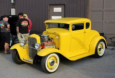 1932 Ford hot rod coupe More