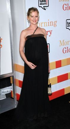 Gretchen Mol: Baby bump watch!