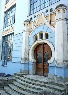 Atelier House, art noveau design by Hungarian architect and painter Gyula Kosztolányi Kann (1903-), Budapest, Hungary | elinor04 via flickr