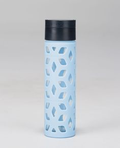 pure focus glass water bottle | women's water bottles | lululemon athletica