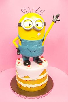 Character Cake  - Cake by Paul Bradford Sugarcraft School