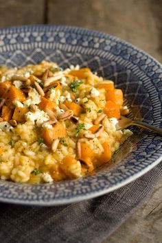 Toasted pumpkin risotto with blue cheese and roasted pine nuts - Foodie Fantastic - Chicken Rissoto Pine Nut Recipes, Savory Pumpkin Recipes, Healthy Pumpkin, Fall Recipes, Roasted Pumpkin Recipe, Recipes Dinner, Pumpkin Squash, Roast Pumpkin, Pumpkin Sauce