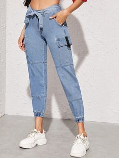Denim Fashion, Fashion Outfits, Fashion Ideas, Womens Ripped Jeans, Latest Jeans, Cargo Jeans, Denim Jeans, Type Of Pants, Pants Pattern
