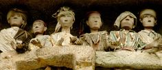 Toraja statues