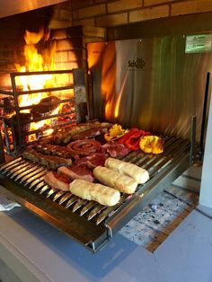 Wood Grill, Grill Oven, Bbq Grill, Grilling, Argentinian Bbq, Argentine Grill, Pork Restaurant, Kamado Bbq, Fire Pit Cooking