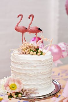 A scalloped cake with flamingo toppers! Cupcakes, Cake Cookies, Cupcake Cakes, Flamingo Party, Flamingo Cake, Pretty Cakes, Beautiful Cakes, Cake Toppers, Tout Rose