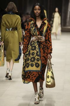 Burberry Prorsum Ready To Wear Fall Winter 2014 London - NOWFASHION