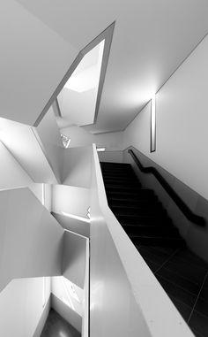 Daniel Libeskind - Royal Ontario Museum | via enochliew