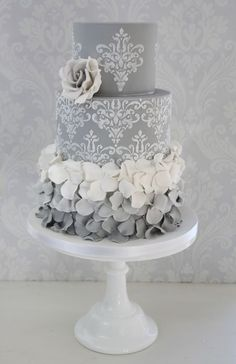 blackwhite and grey cakes 46 #modernweddingcakes
