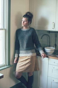 Get It Now Biscotti Sweater by Kiyomi Burgin from knitscene Winter 2016 or get the individual pattern. Easy Top down Raglan Worked in the round Stranded colorwork Yarn Weight… Sweater Knitting Patterns, Knitting Designs, Knit Patterns, Hand Knitting, Crochet Collar, Knit Crochet, Beatnik Style, Classic Elite Yarns, Pulls