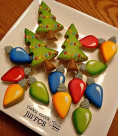 Ideas For Baking Desserts Creative Fun Christmas Cookies Christmas Sugar Cookies, Christmas Sweets, Noel Christmas, Holiday Cookies, Christmas Baking, Holiday Desserts, Christmas Cakes, Christmas Lights, Christmas Recipes
