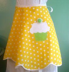 Yellow polka dots just make me wanna sing