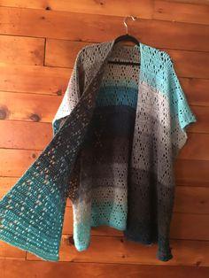 Fabulous Crochet a Little Black Crochet Dress Ideas. Georgeous Crochet a Little Black Crochet Dress Ideas. Gilet Crochet, Crochet Coat, Crochet Jacket, Crochet Scarves, Crochet Clothes, Crochet Sweaters, Kimono Pattern Free, Motif Kimono, Crochet Poncho Patterns