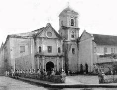 Pre-war visita iglesia in Intramuros - Simbahan Intramuros, Filipiniana, Manila Philippines, Filipino, Old Photos, Notre Dame, San, Building, Nostalgia