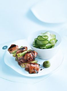 Chicken yakitori is a Japanese recipe by Donna Hay, pinned by Keva xo Duck Recipes, Asian Recipes, Chicken Recipes, Healthy Recipes, Daily Meals, Love Food, Food Photography, Yummy Food, Tasty