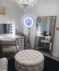 40 Creative DIY Makeup Vanity Design Ideas That'S Inpire &; Architecture Designs 40 Creative DIY Makeup Vanity Design Ideas That'S Inpire &; Architecture Designs Liz ⚡️ Rooms 40 Creative DIY Makeup […] for home diy creative Diy Makeup Vanity, Makeup Vanities, Vanity Room, Vanity Mirrors, Vanity Tables, Vanity Set, Big Mirrors, Mirror Mirror, Makeup Room Decor