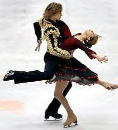 2000 U.S. champions Naomi Lang and Peter Tchernyshev; they were beautiful ice dancers who never really got the recognition they deserved!