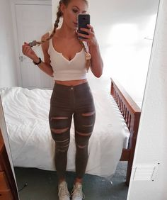 Night out style – Lady Dress Designs Sporty Outfits, Grunge Outfits, Night Outfits, Winter Outfits, Pretty Outfits, Cute Outfits, Girl Fashion, Fashion Outfits, Grey Outfit