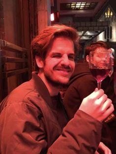 taco się cieszy z winka hahah