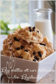 ~ Crispy rice biscuit and baked white chocolate ~, Cookie Recipes, Dessert Recipes, Rice Krispie Treats, Christmas Treats, Christmas Cookies, Easy Desserts, Macaroni And Cheese, Brunch, Food And Drink