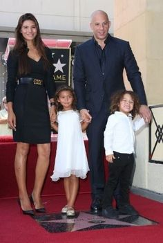 Aug. 25th/2013 - Vin Diesel poses with his family, (his wife Paloma and their children,) as he is honored with the 2504th star on the Hollywood Walk of Fame.