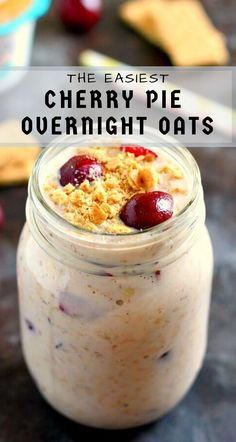 Packed with just a few simple ingredients, these Cherry Pie Overnight Oats taste just like cherry pie, in healthy form! Ingredients 1 cup old fashioned oats 1 Breakfast On The Go, Breakfast Dishes, Healthy Breakfast Recipes, Cherry Recipes Healthy, Healthy Breakfasts, Breakfast Smoothies, Eating Healthy, Brunch Recipes, Breakfast Ideas