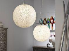 Deja que las Lámparas de Nácar Iluminen tu Casa