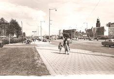 Het Weena rond 1958. Het Shell gebouw aan het Hofplein staat al in de steigers en het doofstommeninstituut aan de Ammanstraat zal plaatse maken voor het Hilton.