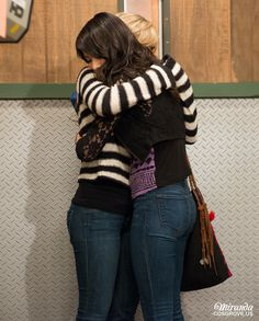miranda cosgrove and Jeanette mccurdy icarly for life Jennette Mccurdy, Miranda Cosgrove Icarly, Hannah Montana, Icarly Cast, Elizabeth Gillies, Jennifer Connelly, Beautiful Celebrities, Beautiful Women, Actresses