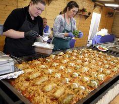 3 centis csoda – ilyen az igazi szabolcsi töltött káposzta   NLCafé Vegetable Casserole, Hungarian Recipes, Paella, Macaroni And Cheese, Beverages, Pork, Food And Drink, Dinner, Vegetables