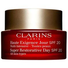 Multi-Intensive Anti-Age-Tagescreme Haute Exigence für jede Haut  von Clarins, um 94 Euro