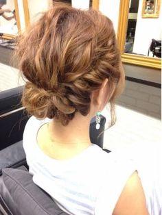 結婚式 髪型 ショートボブ ヘアアレンジ 絶対可愛い!!立体メルヘンねじりヘア