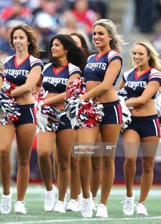 New England Patriots Cheerleaders, Nfl Cheerleaders, Cheerleading, Boston Sports, Football Cheerleading, Patriots Cheerleaders, New England Patriots, Fotografia, Pictures