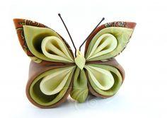 Silk kanzashi butterfly brooch - Broşă la comandă cu fluture din mătase galbenă, verde şi maro | Atelierul Grădina cu fluturi