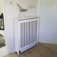 Lite bilder från färdiga o blivande DIY projekt jag har. Radiator Cover, Diy And Crafts, Home Appliances, Living Room, Interior Design, Inspiration, Furniture, Tips, Kitchen