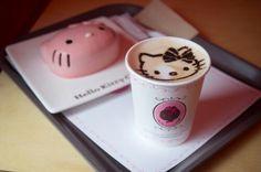 Café y pastelito hello kitty!