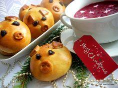 Smaczna Pyza: Paszteciki - świnki z pieczarkami - http://smacznapyza.blogspot.com/2011/12/witam-swiatecznie-wczorajszy-wieczor.html