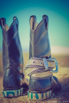 Midnight boots on etsy Country Concert Outfit, Country Concerts, Country Thunder Outfits, 5sos Concert, Glass Slipper, Crazy Shoes, Cowboy Boots, Style Me, August 2014