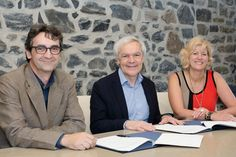 Agreement between the Museum of Civilization and Cégep Garneau.  Photo: Center Director Showcase Physical Sciences (CDSP), Marcel Lafleur;  the Chief Museum of Civilization in Quebec, Michel Côté;  and the Director General of Cégep Garneau, Denise Trudeau.  (CNW Group / Museum of Civilization)