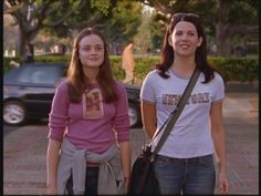 gilmore girls season 2 the road trip to harvard Gilmore Girls Episodes, Gilmore Girls Seasons, Watch Gilmore Girls, Gilmore Girls Poster, Gilmore Girls Lorelai, Gilmore Girls Fashion, Rory And Jess, Luke And Lorelai, Stars Hollow