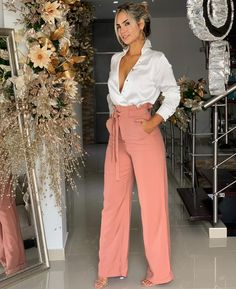 15 women's clothing jumpsuits and pants - Bilder Land Classy Outfits, Chic Outfits, Fashion Pants, Fashion Dresses, Fashion Sandals, Fashion Corner, Professional Outfits, Elegant Outfit, Office Outfits