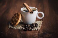 Buenos días!!!! La mañana se presenta interesante Clases en un rato Actividad y energía Al lío!!!!!! :) ♪♫♪ www.alejandra-toledano.com