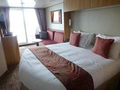 Sleeping on the Celebrity Reflection Cruise Ship: Deluxe Ocean View Cabin with Veranda